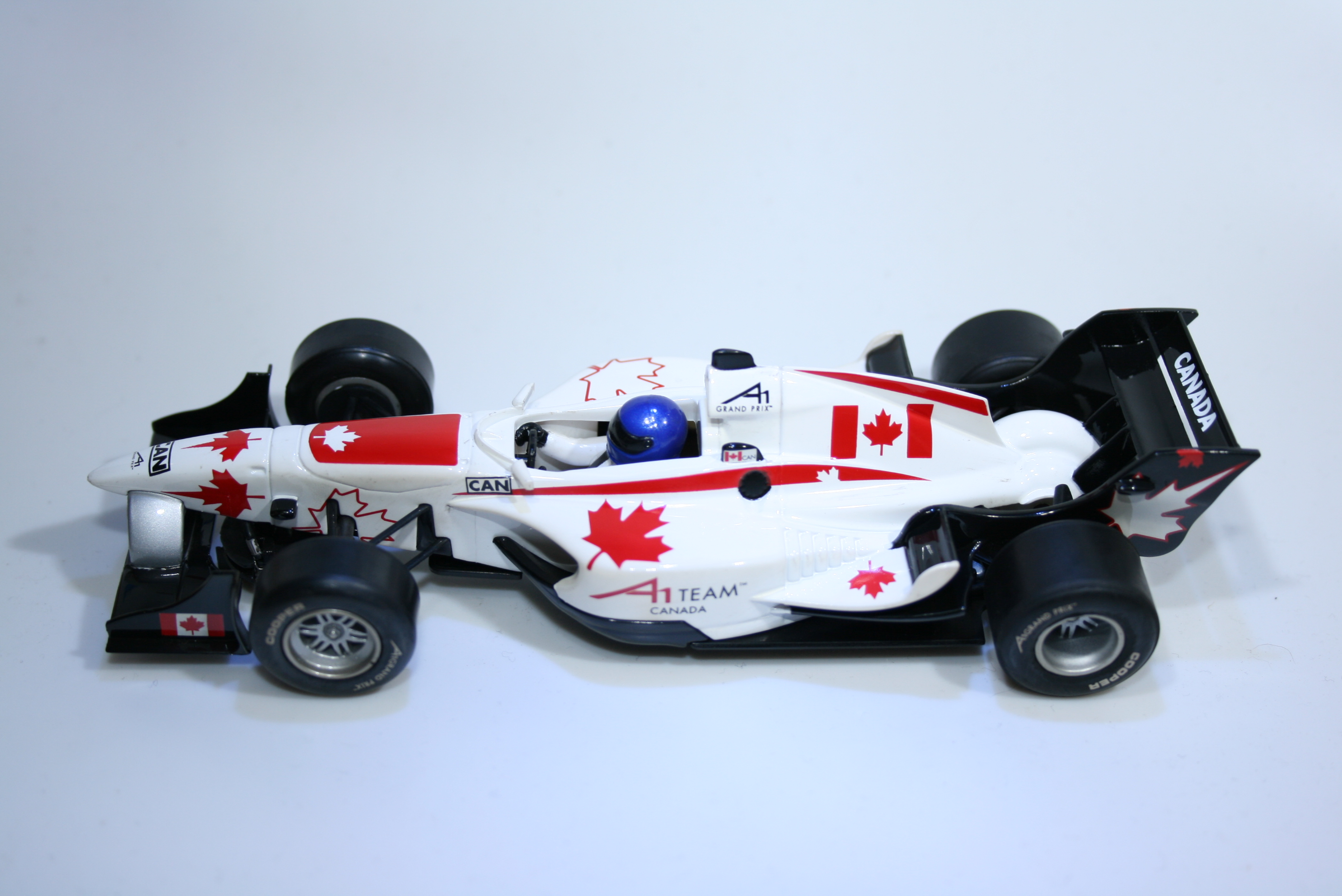 152 A1GP Canada 2006 J Hinchcliff Scalextric C2742 2006 Boxed