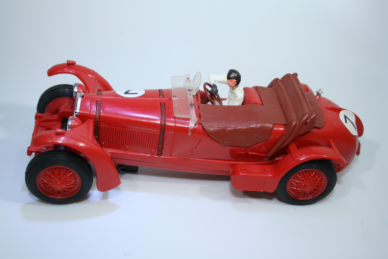 1276 Alfa Romeo 8C 2300 1931-32 J M Fangio Scalextric C241 1995