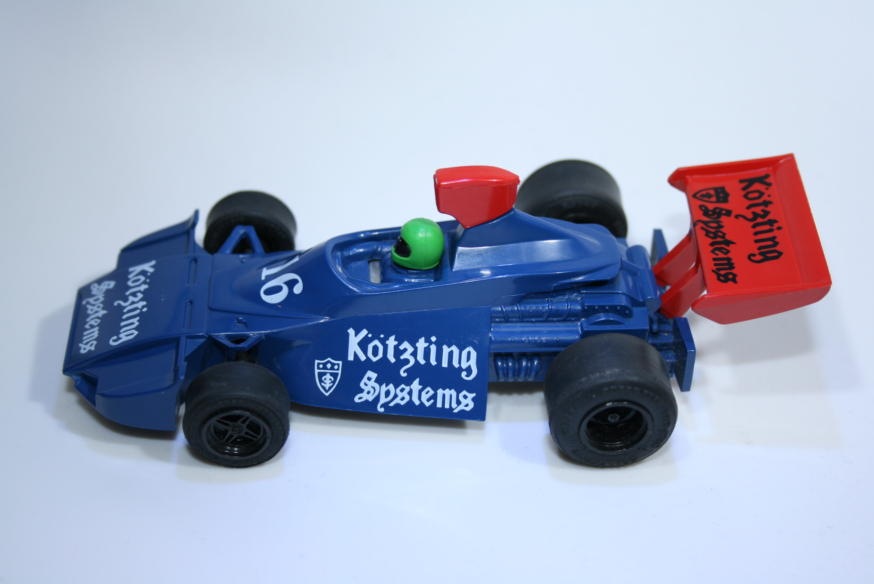 499 Brabham BT44B 1975 Scalextric C120 1986 Kotzting