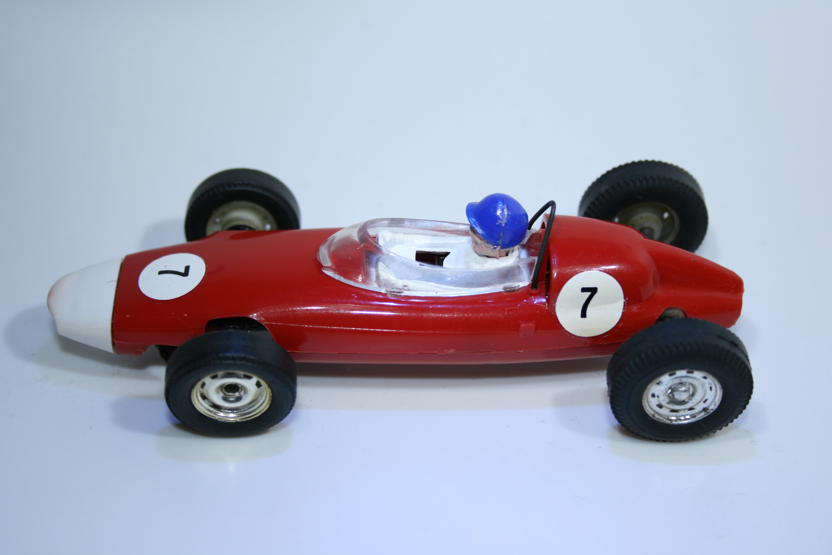 695 BRM P48 Climax 1960-61 G Hill Scalextric C72 FRA 1964-65