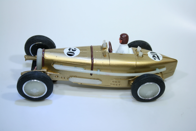 1303 Bugatti Type 59 1933-36 R Dreyfus Pink Kar CV001 2000 Special Edition