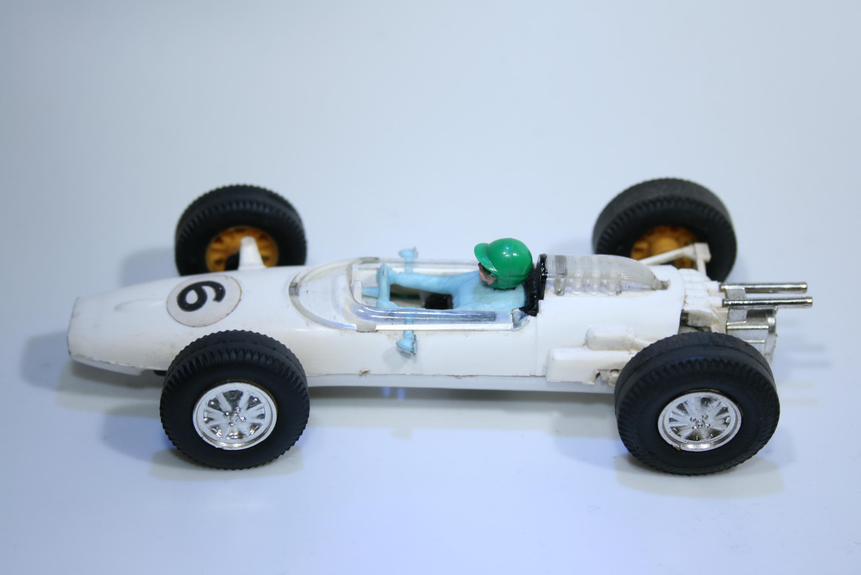 231 Cooper T77 1963-1965 B Mclaren Scalextric C81 1968-1969