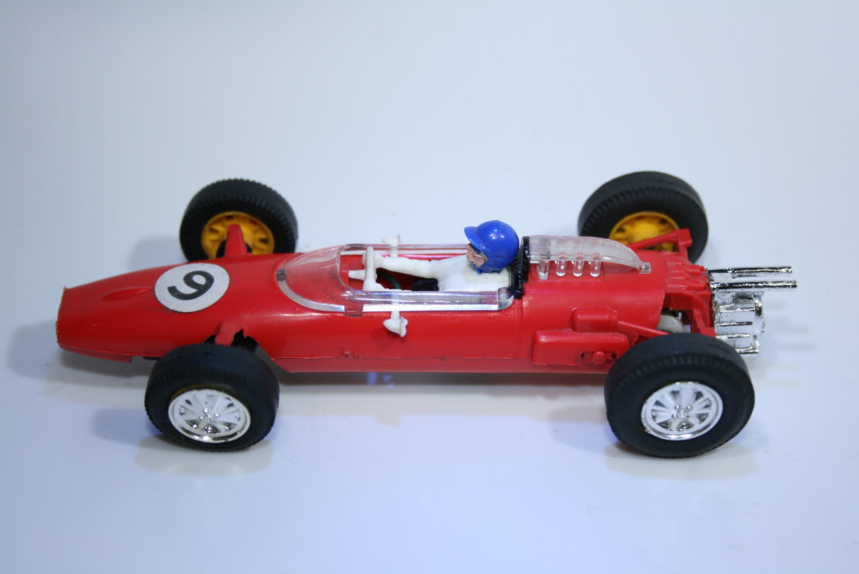 232 Cooper T77 1963-1965 B Mclaren Scalextric C81 1968-1969