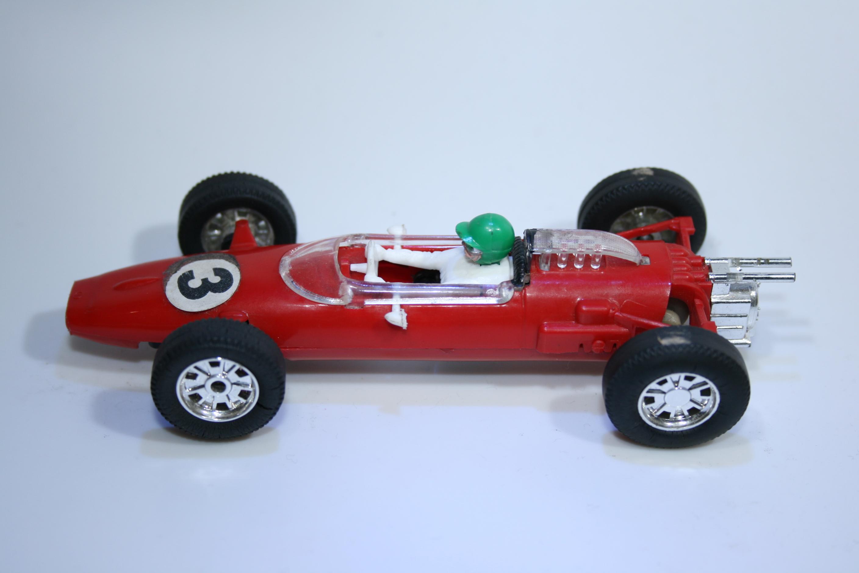 565 Cooper T77 1963-1965 B Mclaren Scalextric C81 1968-1969