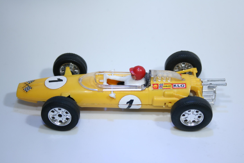 578 Cooper T77 1963-1965 B Mclaren Scalextric C81 1968-1969