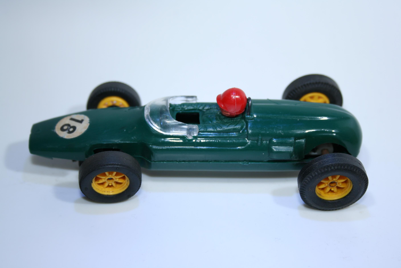 694 Cooper Austin Formula Junior 1962 Scalextric C66 1963-65