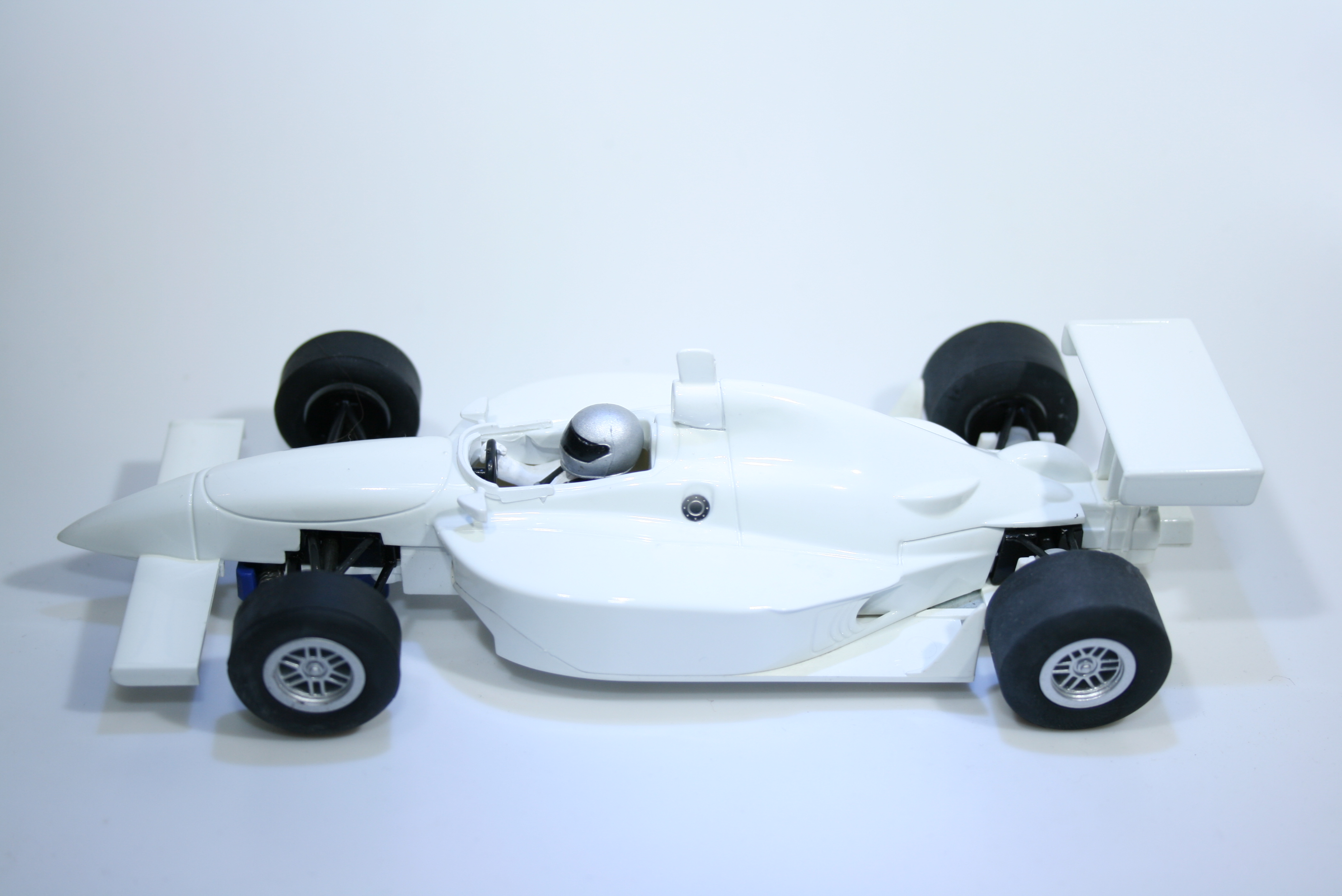 402 Dallara Scalextric C2548 2003