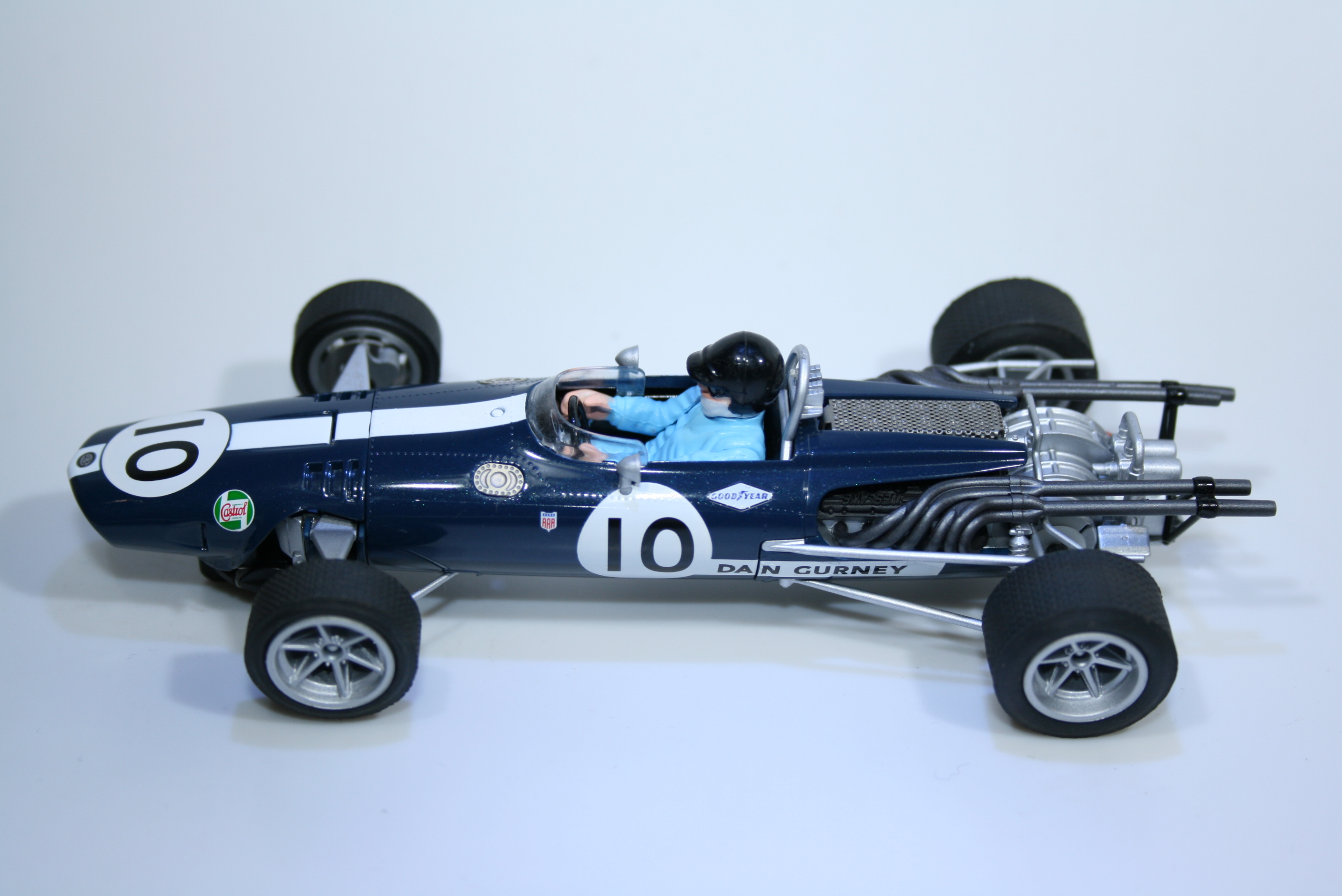 586 Eagle Weslake AAR102 1967 D Gurney Scalextric C3102 2011 Boxed