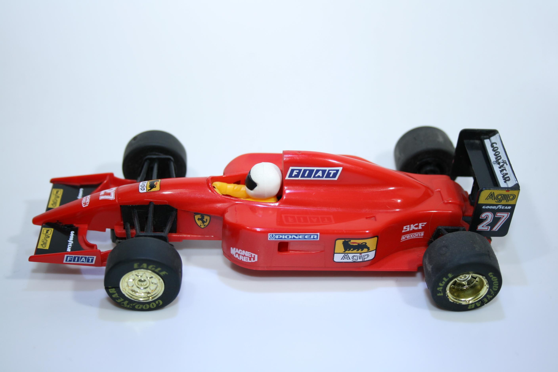19 Ferrari 643 1991 A Prost Scalextric C410 1995