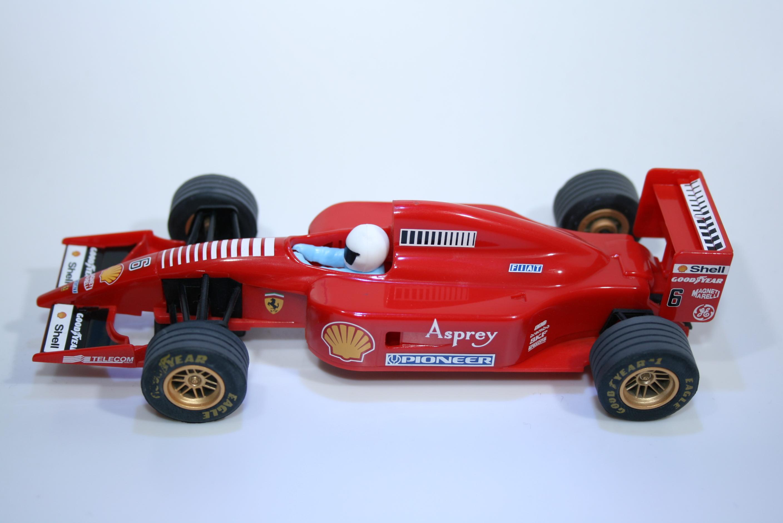 23 Ferrari F310B 1997 E Irvine Scalextric C2115 1998 Boxed
