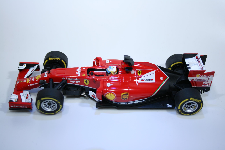 901 Ferrari F14T 2014 F Alonso Carrera 27496 2015 Boxed