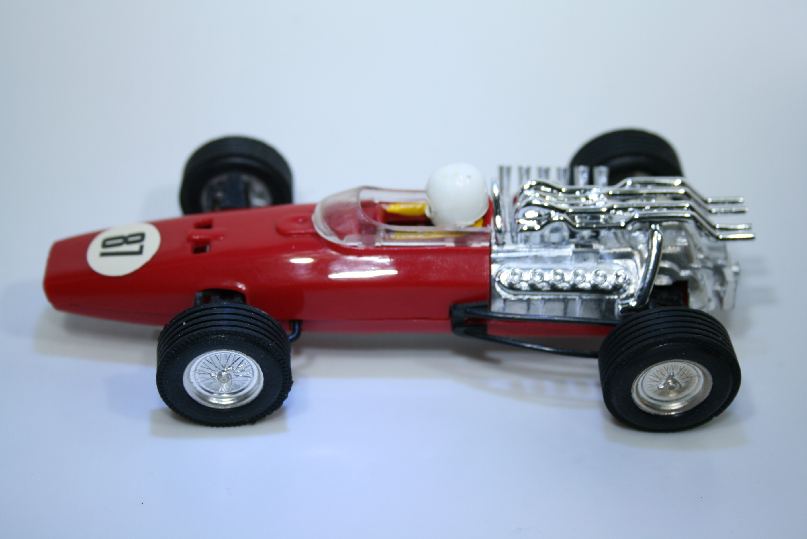 1075 Honda RA273 1967 J Surtees Scalextric  C36 1968-70 Mexico