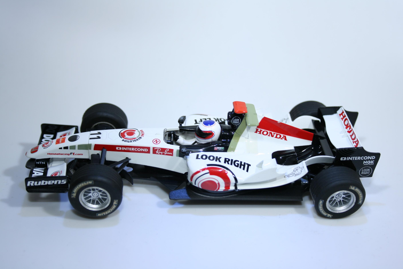 307 Honda RA106 2006 R Barrichello Scalextric C2716 2006 Boxed