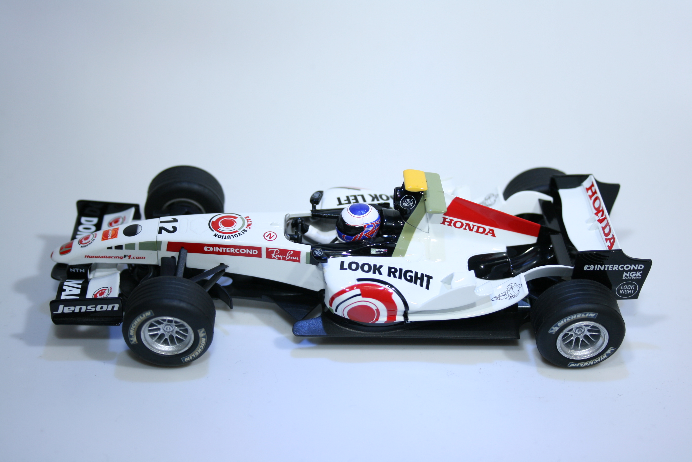 319 Honda RA106 2006 J Button Scalextric C2715 2006 Boxed