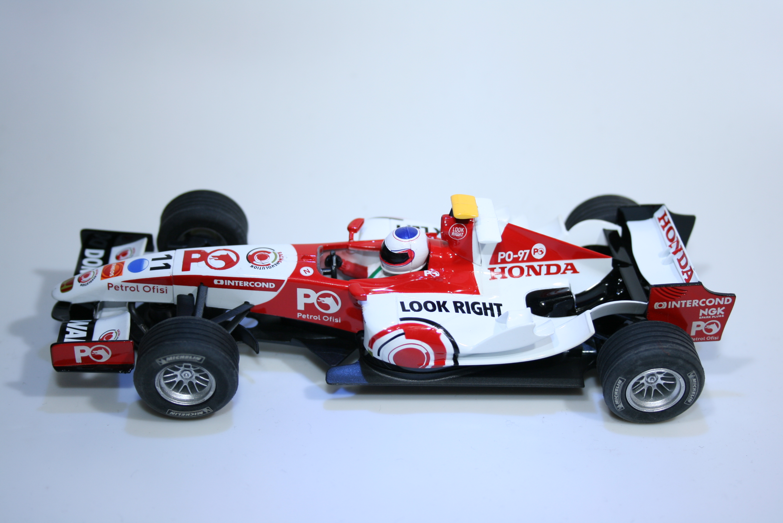 891 Honda RA106 2006 R Barrichello Scalextric H---- 2007