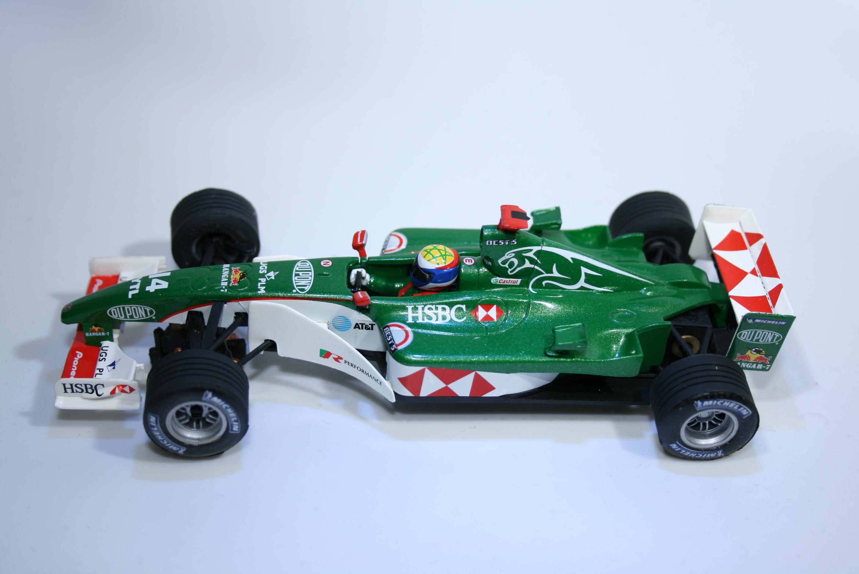 229 Jaguar R5 2004 M Webber SCX 61540 2004 Boxed