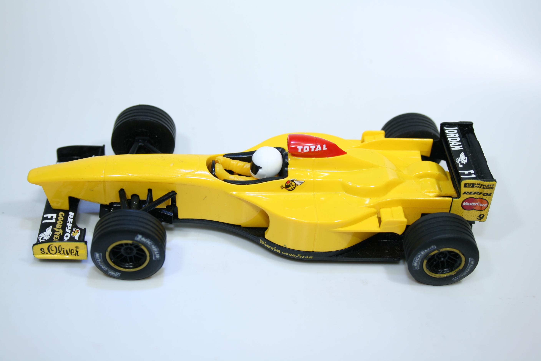 1669 Jordan 198 1998 D Hill Scalextric C2126 1998 Pre Production