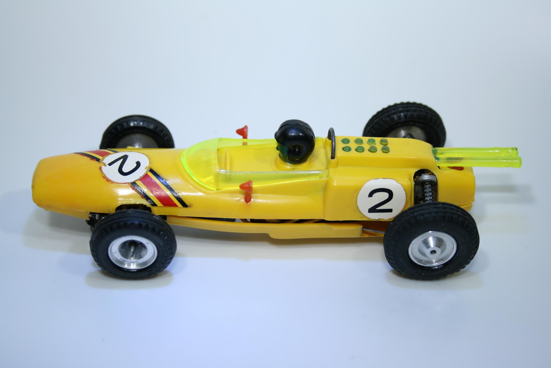 1079 Lotus 25  1962-67 J Clark Miniamil
