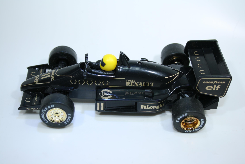 1695 Lotus 98T 1986 A Senna Scalextric C373 1987 Boxed