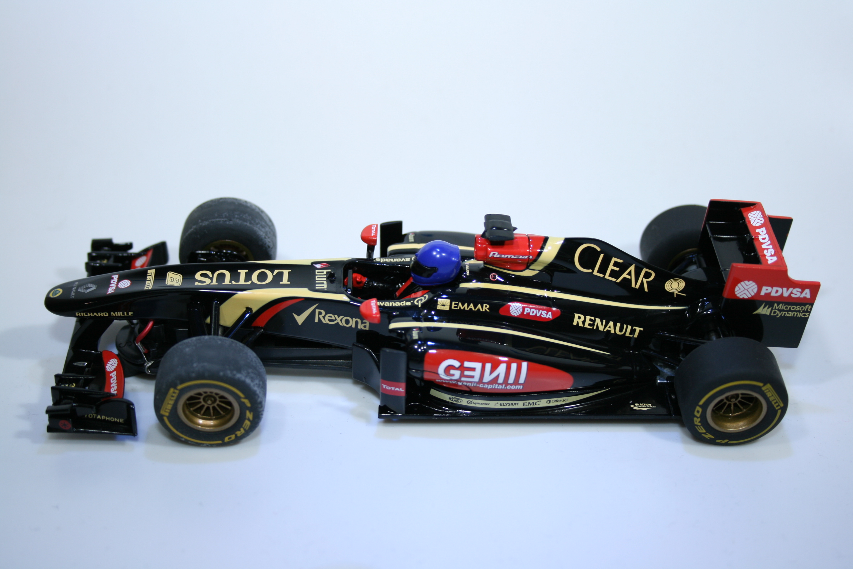 828 Lotus E22 2014 R Grosjean Scalextric C3518 2014 Boxed