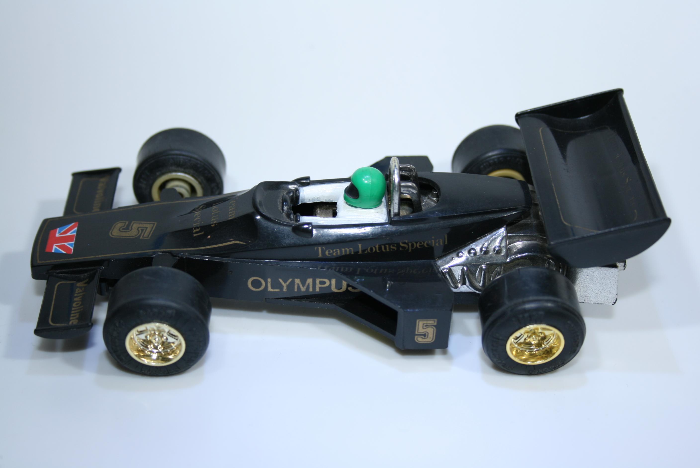 86 Lotus 77 JPS 12 1976 M Andretti Scalextric C126 1977-81