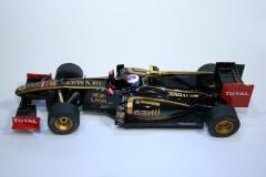 703 Lotus R31 2011 V Petrov SCX A10079S300 2012 Boxed