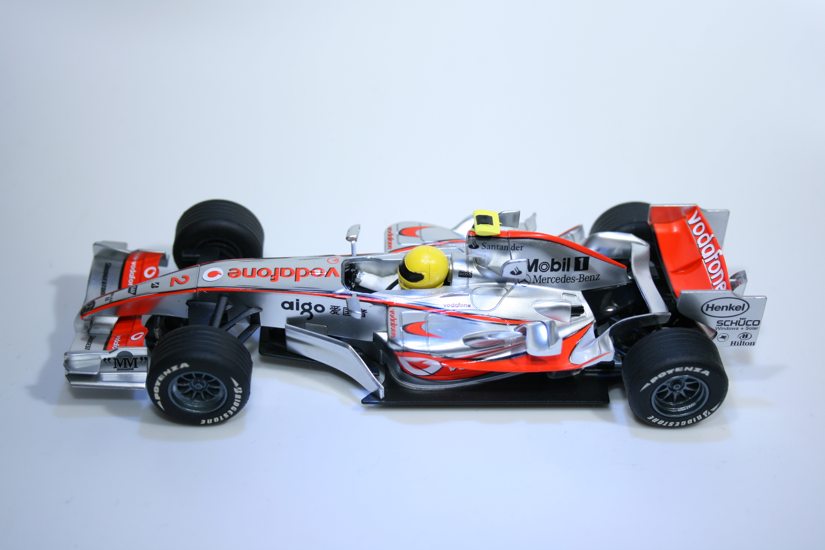 332 Mclaren MP4/22 2007 L Hamilton Scalextric C2837 2007 Boxed