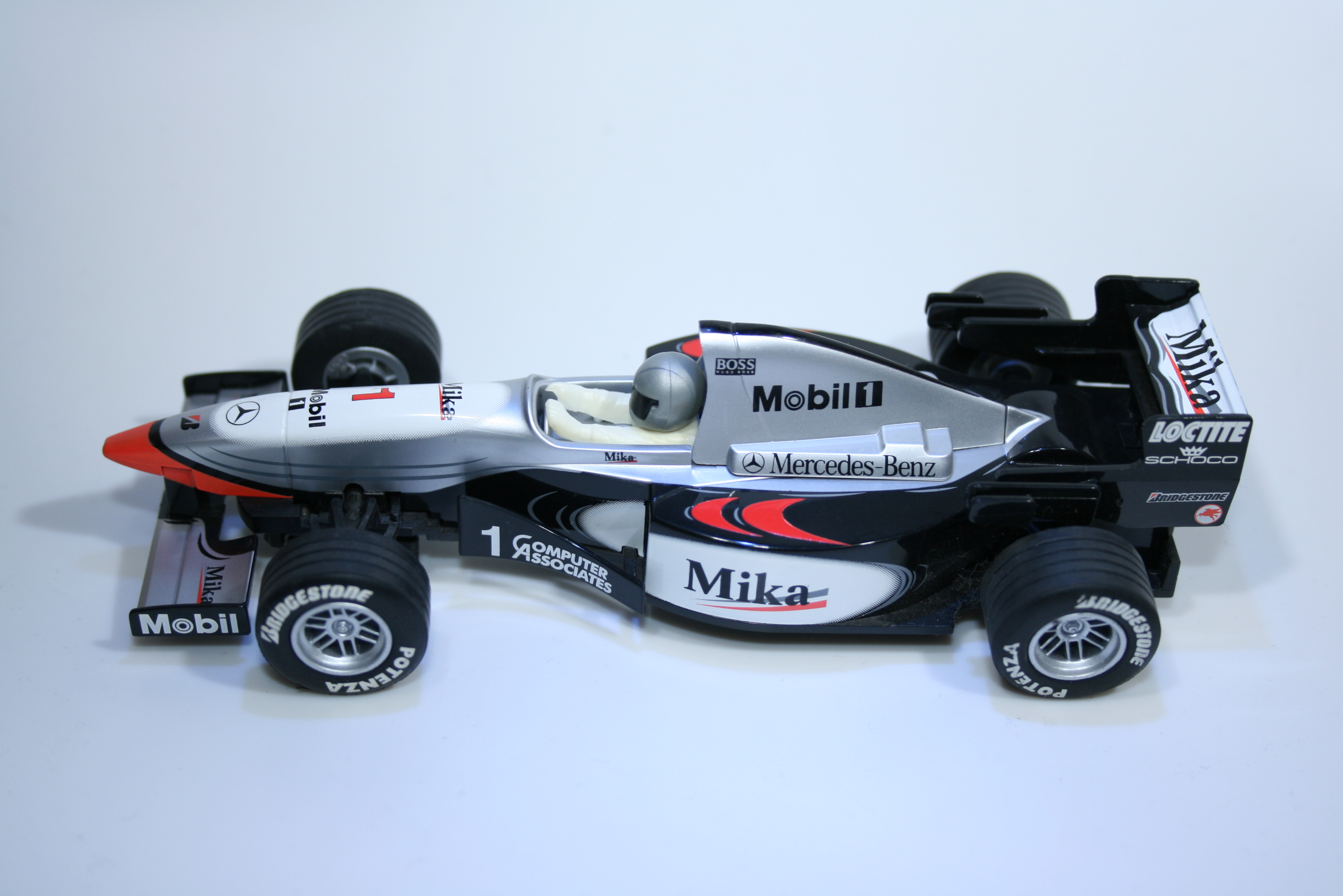 44 Mclaren MP4/10 1999 M Hakkinen Scalextric 1999 C2260 Boxed
