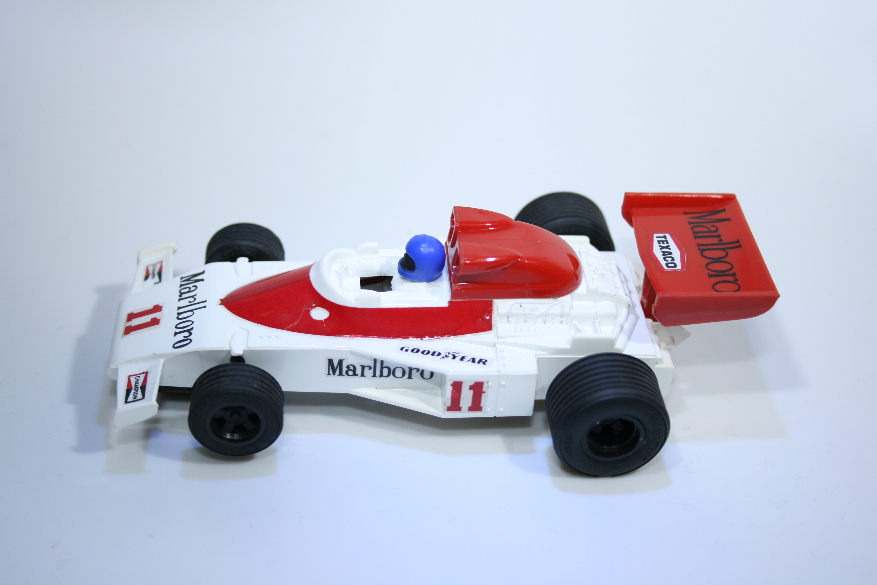 489 Mclaren M23 1976 J Hunt Scalextric C127 1977 Boxed
