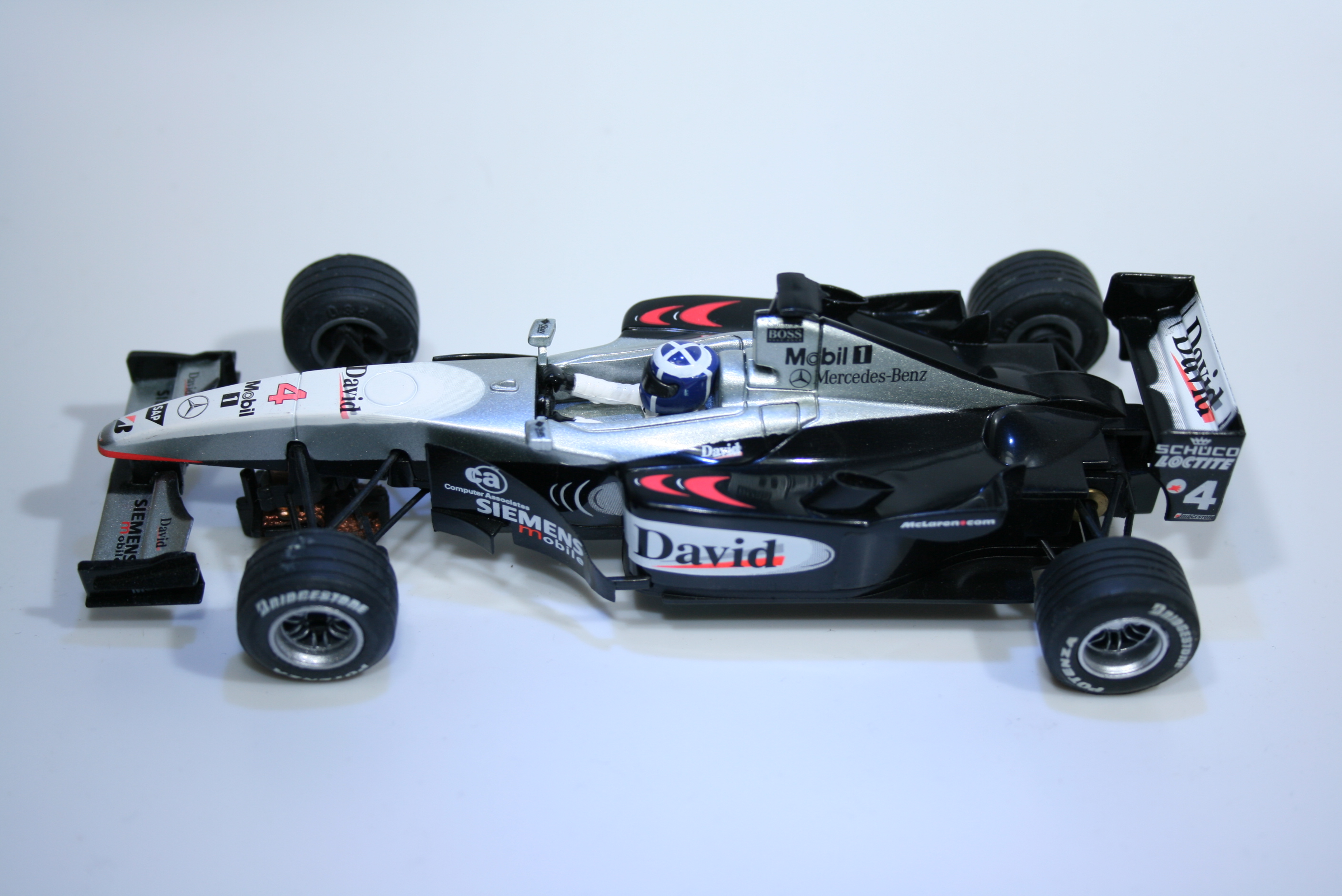 49 Mclaren MP4/16 2002 D Coulthard SCX 60870 2002 Boxed
