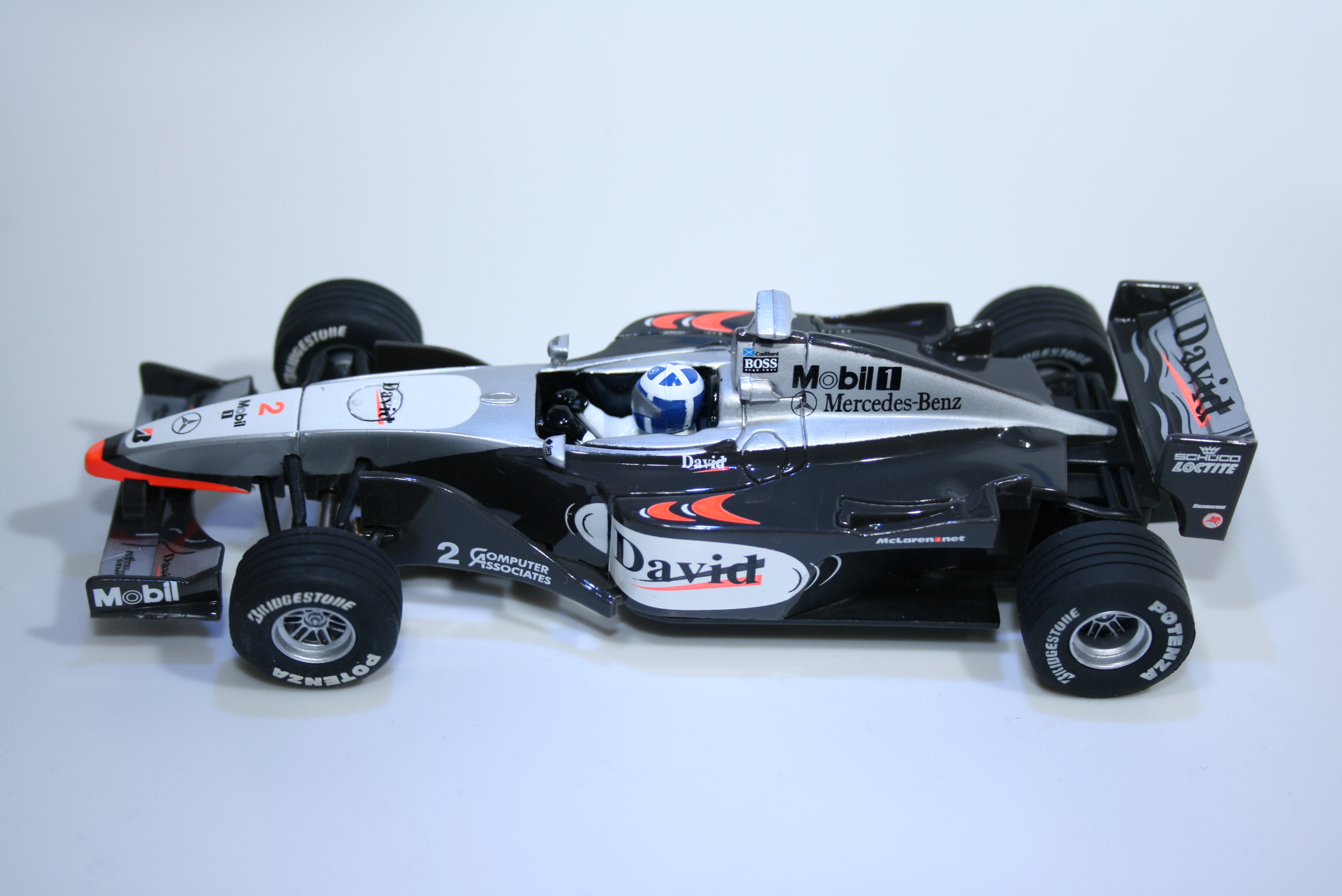 593 Mclaren MP4/15 2000 D Coulthard Carrera 25425 2000 Boxed
