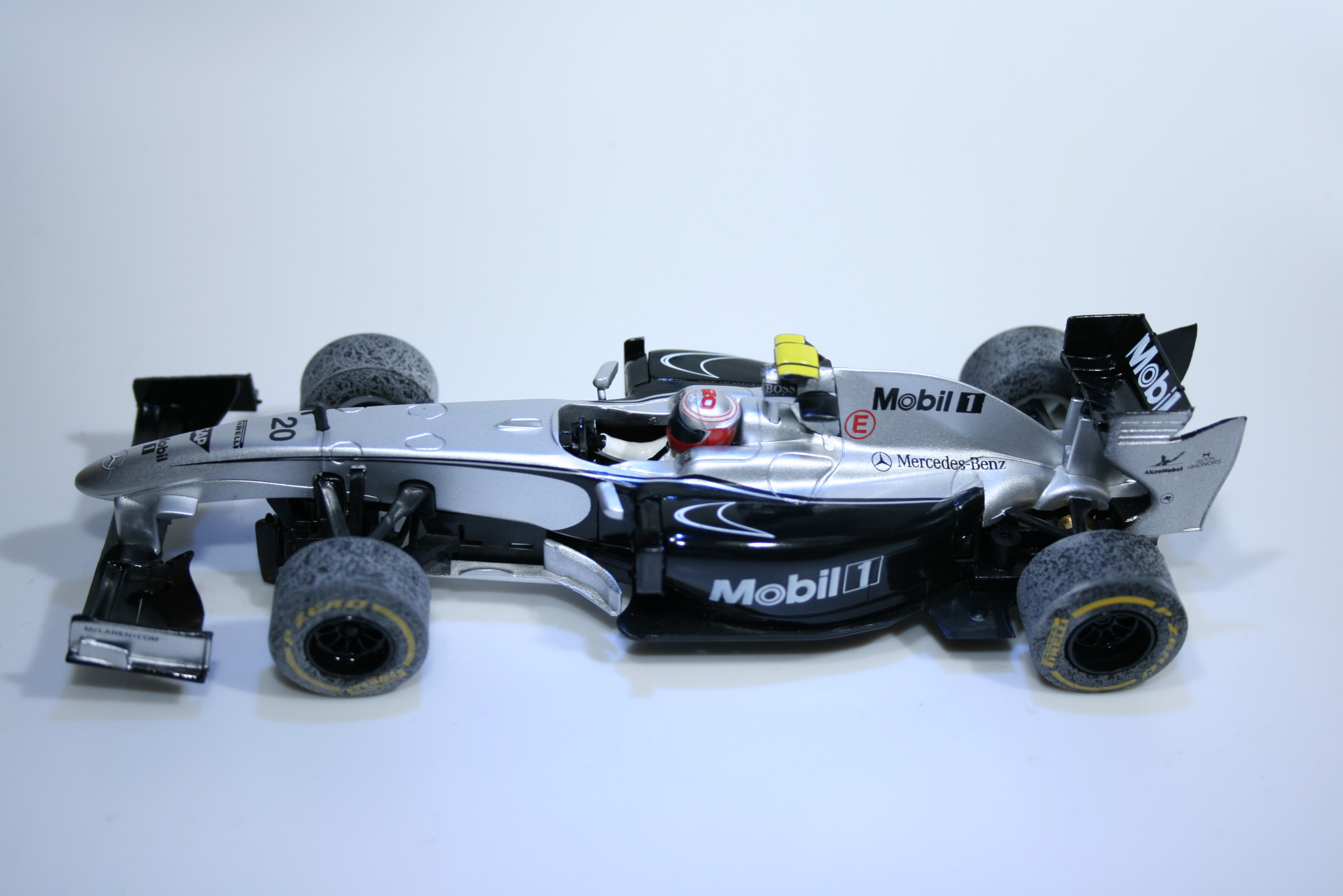 817 Mclaren MP4/24 2014 Magnussen SCX A10139 2014 Boxed