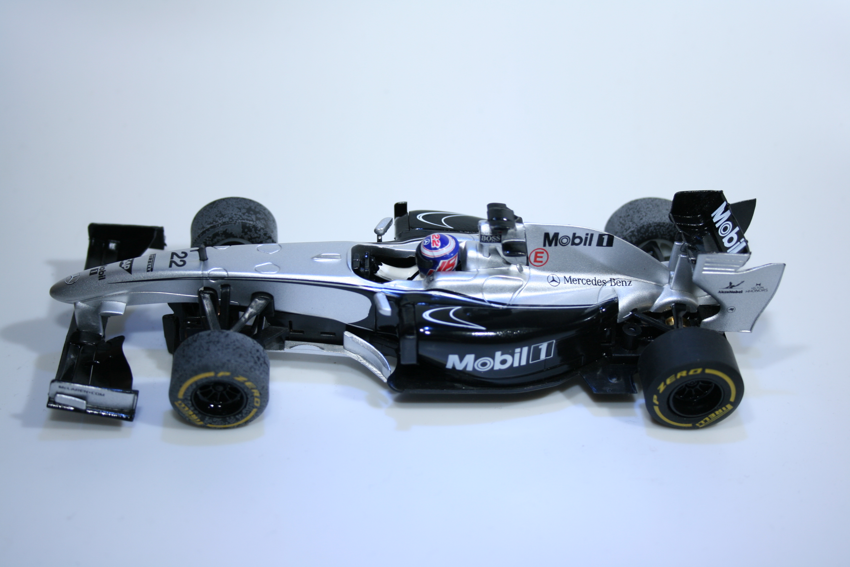818 Mclaren MP4/24 2014 J Button SCX A10138 2014 Boxed
