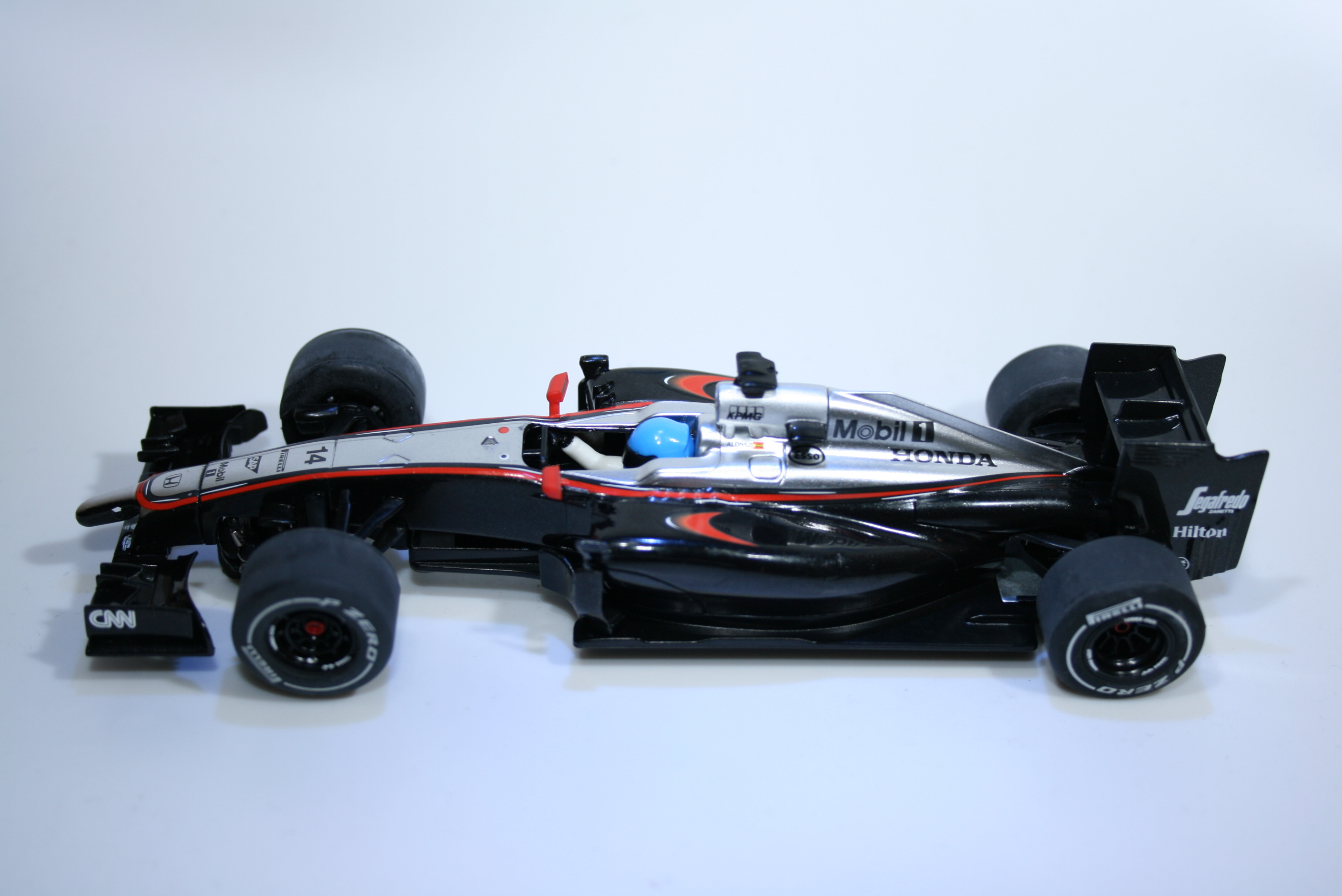 886 Mclaren MP4/30 2015 F Alonso Scalextric C3620 2015 Boxed