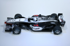 306 Mclaren MP4/17 2002 K Raikkonen Carerra 25458 2002 Boxed