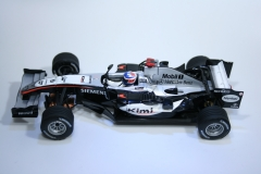 330 Mclaren MP4/20 2005 K Raikkonen SCX 62010 2006 Boxed