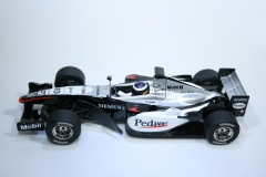 446 Mclaren MP4/20 2005 P De La Rosa Scalextric C2699 Boxed
