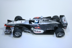46 Mclaren MP4/14 1999 M Hakkinen Carrera 25424 2000