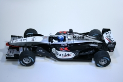 835 Mclaren MP4/17 2002 D Coulthard Carrera 25457 2002 Boxed
