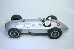 1221 Mercedes W154 1938-39 R Caracciola Hobby Classic CL01 2001