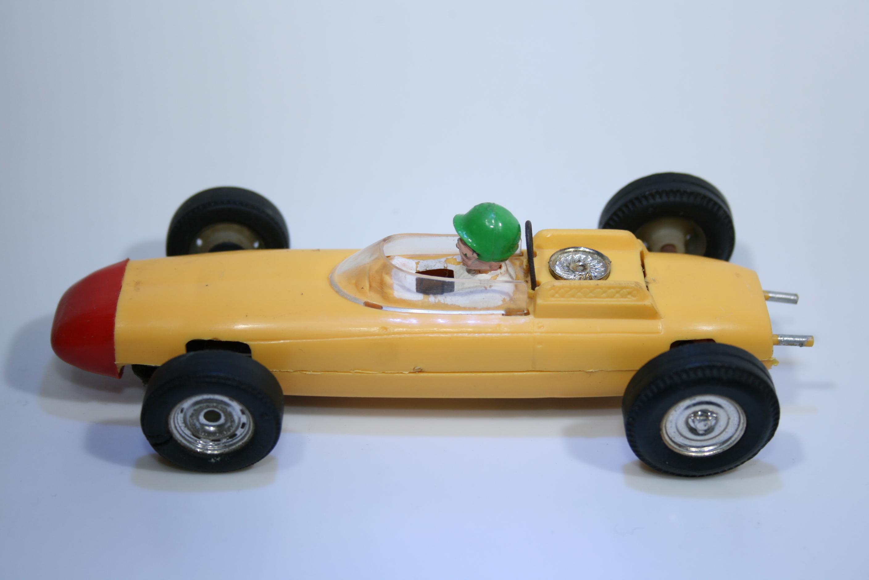 546 Porsche F1 804 1962 D Gurney Scalextric C73 1964