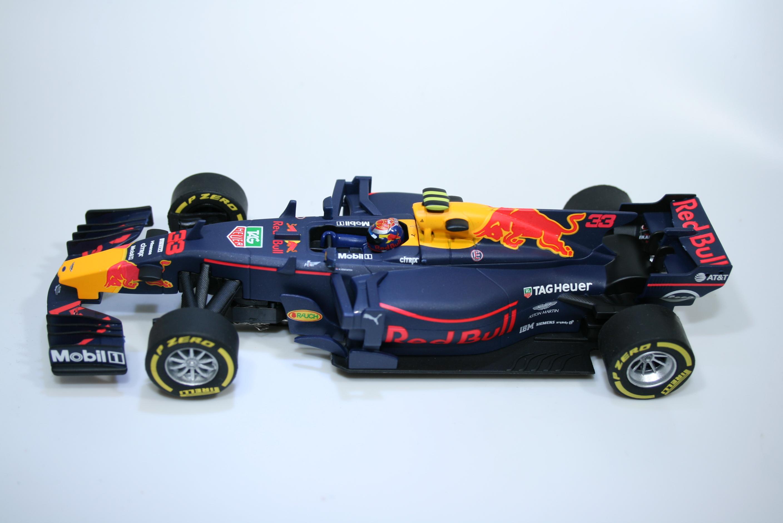 1107 Red Bull RB13 2017 M Verstappen Carrera 27562 2018 Boxed