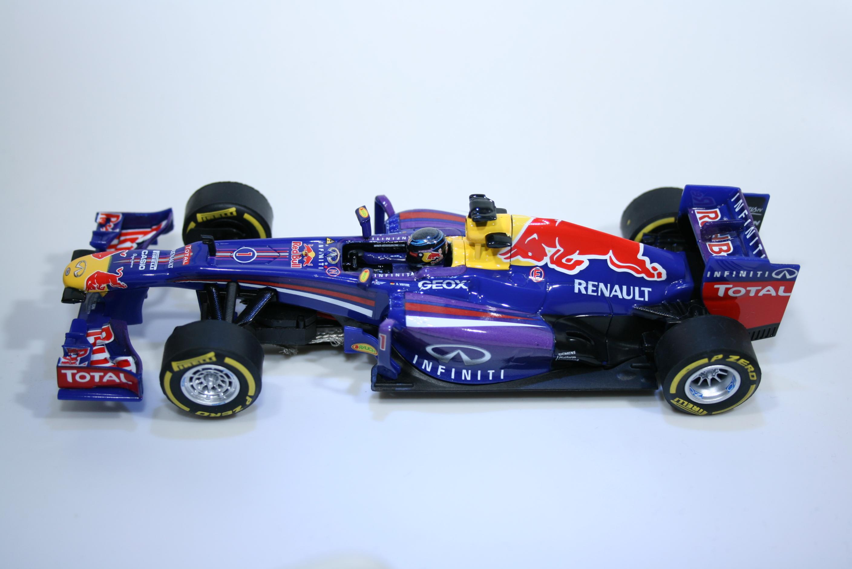 838 Red Bull RB9 2013 S Vettel Carrera 27465 2014 Boxed