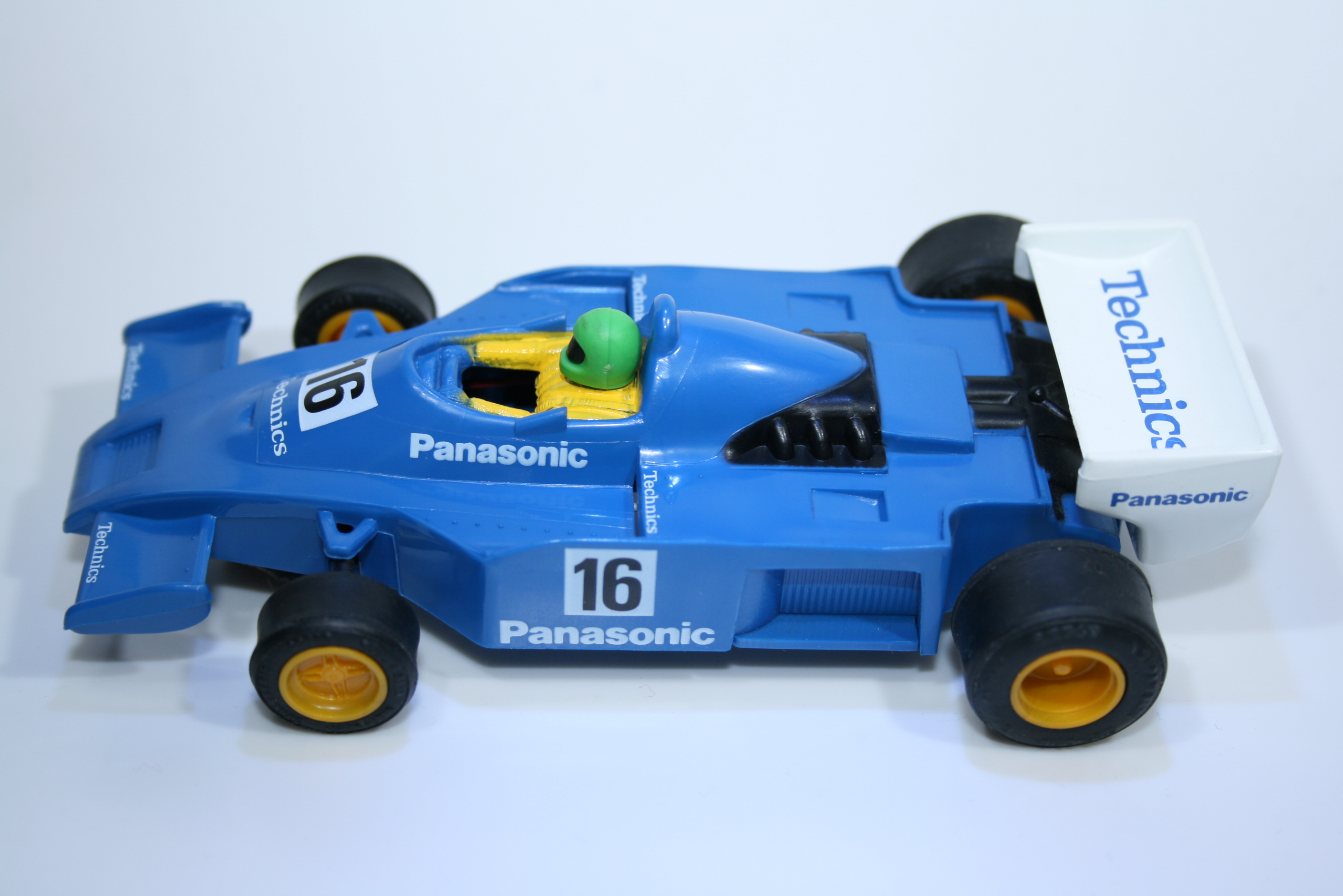 532 Renault RS01 1977-78 Scalextric C473 Boxed