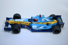 1002 Renault R26 2007 F Alonso Scalextric H2723 2007 Magazine