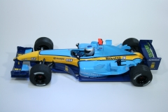 1235  Renault R24 2004 J Trulli Scalextric C2581 2004 Boxed Pre Production Ammended