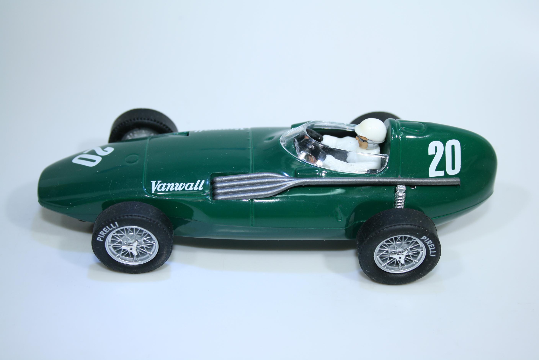 1506 Vanwall VW3 1957 S Moss Cartrix 0015 Boxed