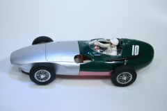1376 Vanwall VW3 1957 S Moss Scalextric C2552A 2004 Pre Production