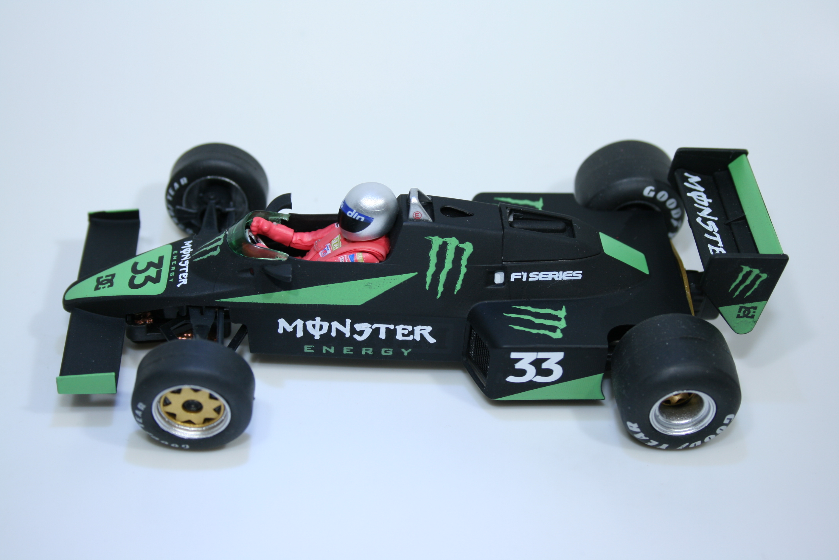 1035 Williams FW08C 1983 A Senna FLY Monster Edition 40305 2018 Boxed