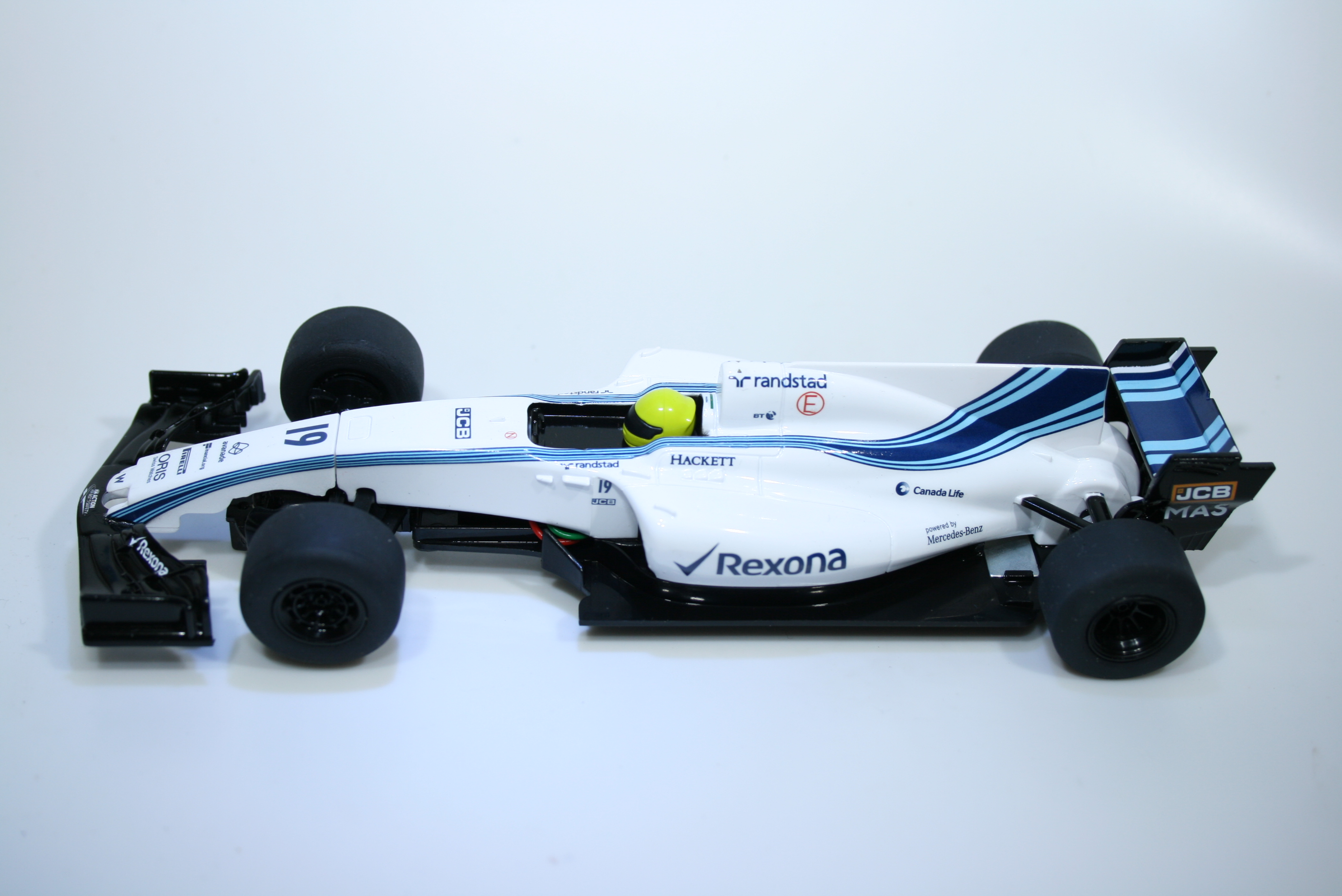 1111 Williams FW40 2017 F Massa Scalextric C3955 2018 Boxed